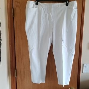 Lane Bryant White Trouser Style Capri 22W